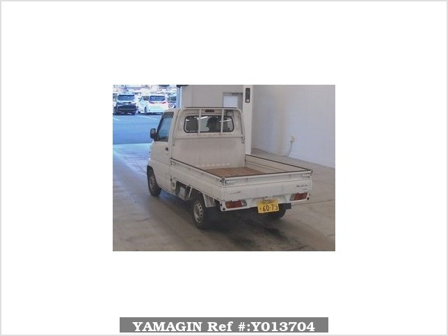 It is a picture of the white mitsubishi minicab in 1999,Sub Photo 1 Stock No.Y013704