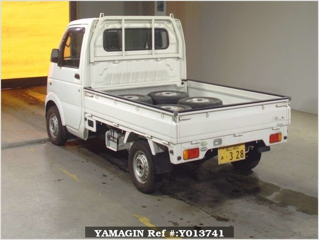 It is a picture of the white suzuki carry  in 2005,Sub Photo 1 Stock No.Y013741