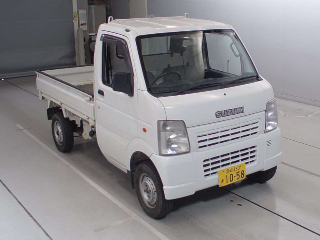 It is a picture of the white suzuki carry  in 2007,First Photo Stock No.Y014318