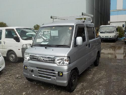 It is a picture of the silver mitsubishi minicab deck van in 2013,First Photo Stock No.Y014319