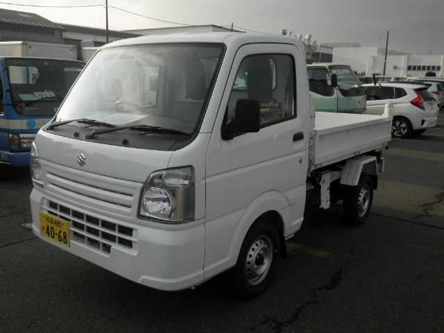 It is a picture of the white suzuki carry  in 2017,First Photo Stock No.Y014348