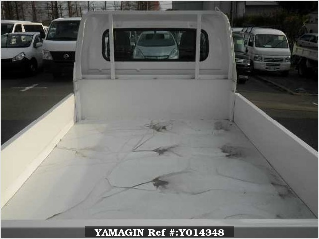 It is a picture of the white suzuki carry  in 2017,Sub Photo 2 Stock No.Y014348