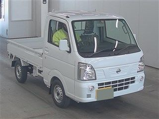 It is a picture of the white nissan nt100 clipper in 2018,First Photo Stock No.Y014366