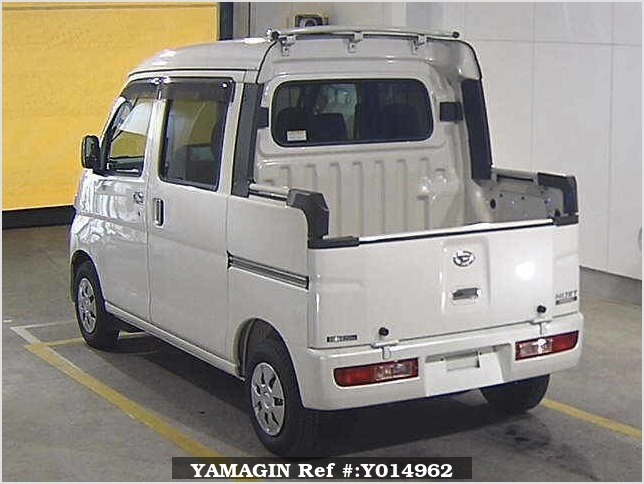 It is a picture of the pearl daihatsu hijet in 2016,Sub Photo 1 Stock No.Y014962