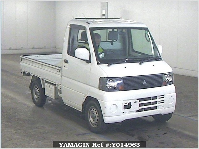 It is a picture of the white mitsubishi minicab truck in 2004,Sub Photo 0 Stock No.Y014963