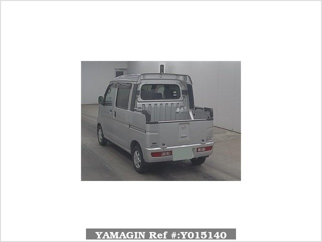 It is a picture of the silver daihatsu hijet  in 2005,Sub Photo 1 Stock No.Y015140