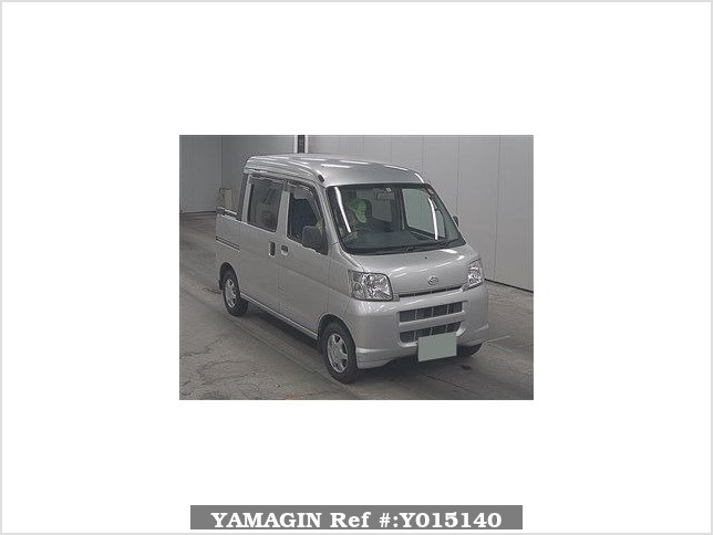 It is a picture of the silver daihatsu hijet  in 2005,Sub Photo 0 Stock No.Y015140
