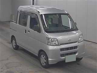 It is a picture of the silver daihatsu hijet  in 2005,First Photo Stock No.Y015140