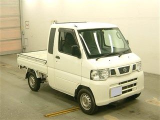 It is a picture of the white nissan nt100 clipper jumbo in 2012,First Photo Stock No.Y015393
