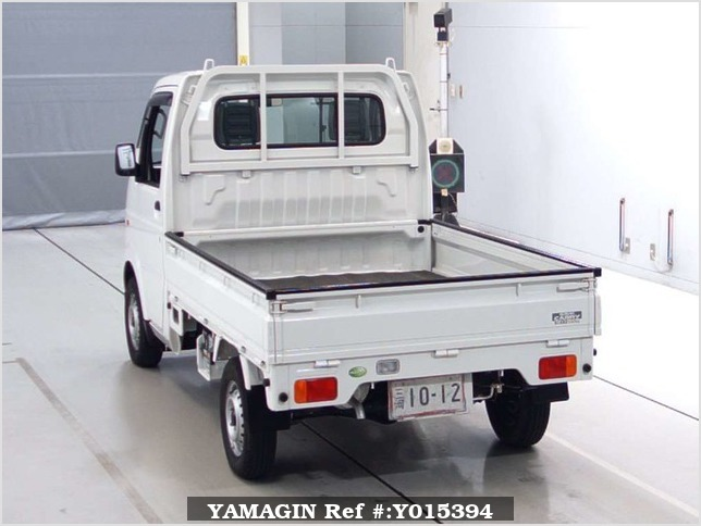 It is a picture of the white suzuki carry truck in 2010,Sub Photo 1 Stock No.Y015394