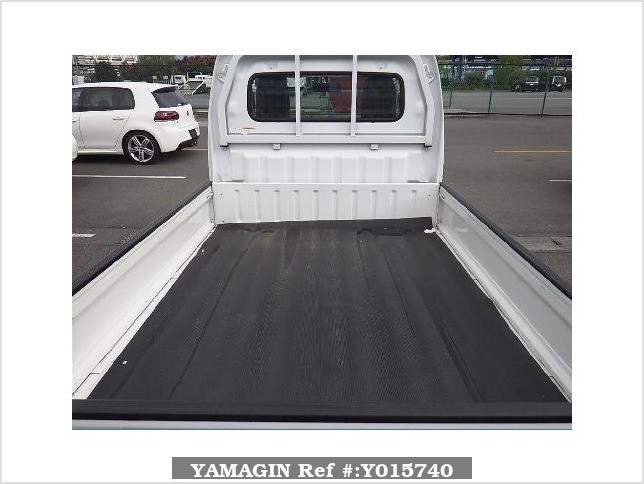 It is a picture of the white suzuki carry  dump in 2015,Sub Photo 4 Stock No.Y015740