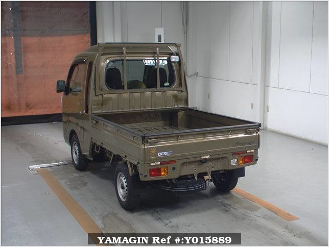 It is a picture of the  khaki  daihatsu hijet  in 2017,Sub Photo 1 Stock No.Y015889