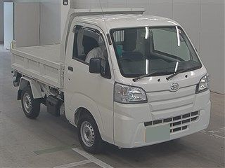 It is a picture of the white daihatsu hijet  in 2016,First Photo Stock No.Y016149