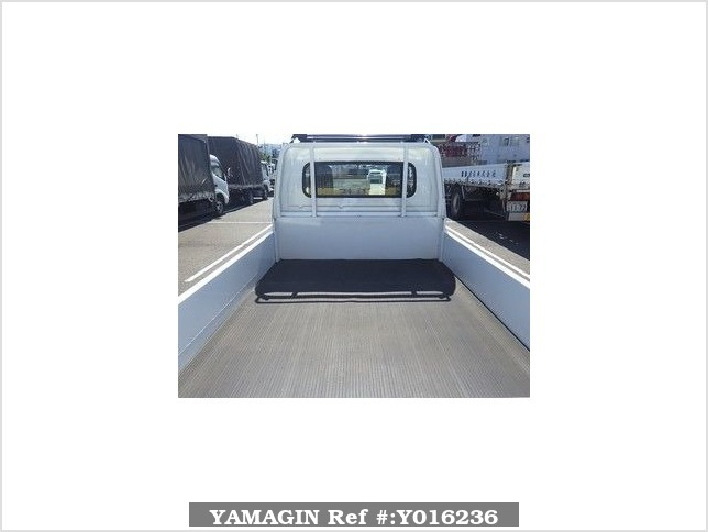 It is a picture of the white suzuki carry  in 2016,Sub Photo 2 Stock No.Y016236