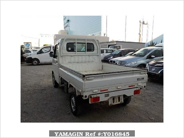 It is a picture of the white suzuki carry dump in 2013,Sub Photo 4 Stock No.Y016845