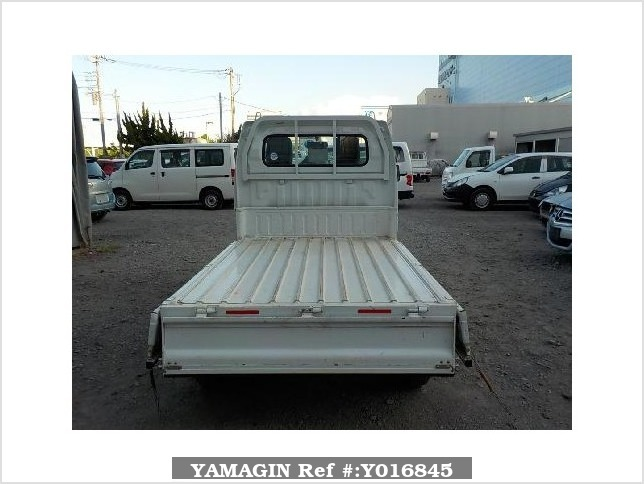 It is a picture of the white suzuki carry dump in 2013,Sub Photo 5 Stock No.Y016845