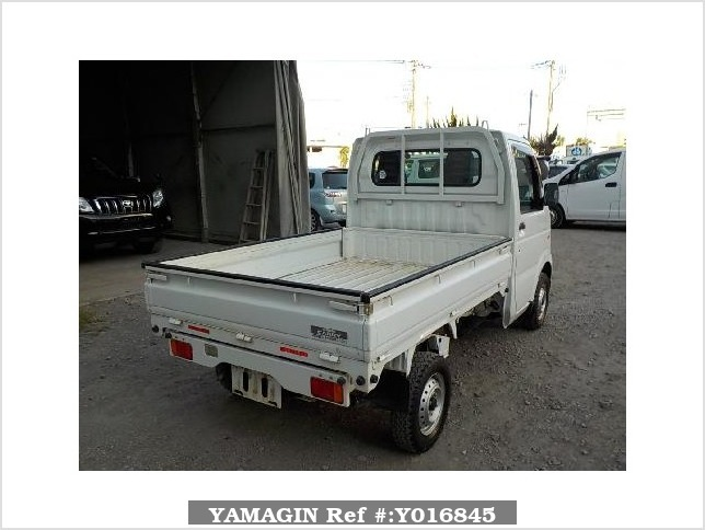It is a picture of the white suzuki carry dump in 2013,Sub Photo 3 Stock No.Y016845