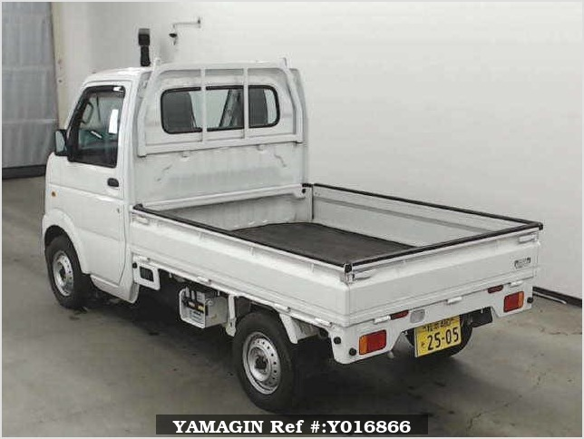It is a picture of the white suzuki carry  truck in 2013,Sub Photo 1 Stock No.Y016866