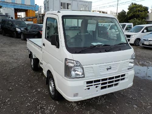 It is a picture of the white nissan nt100 clipper truck in 2018,First Photo Stock No.Y016884