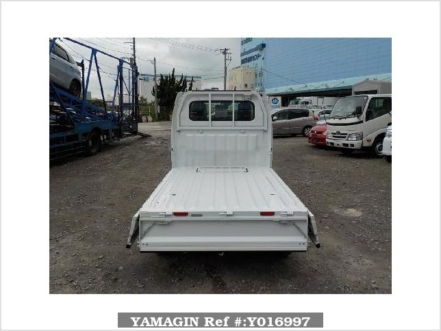 It is a picture of the white suzuki carry truck in 2017,Sub Photo 4 Stock No.Y016997
