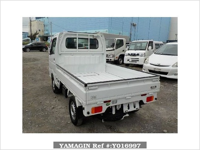 It is a picture of the white suzuki carry truck in 2017,Sub Photo 3 Stock No.Y016997