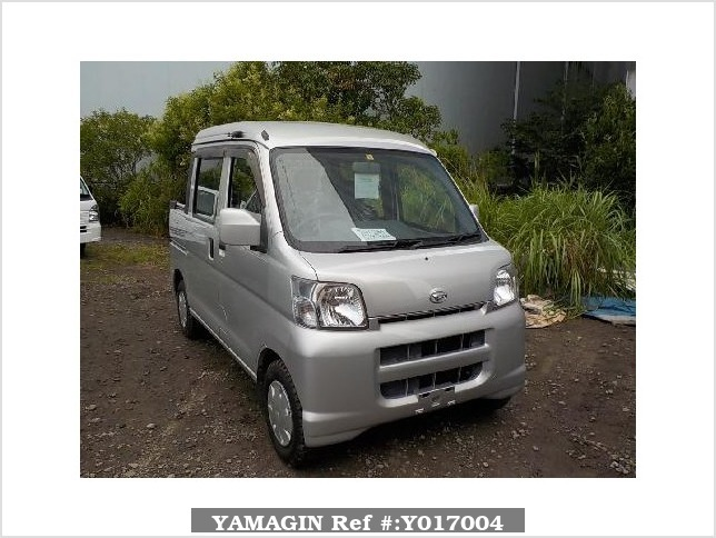 It is a picture of the silver daihatsu hijet  deck van in 2005,Sub Photo 0 Stock No.Y017004