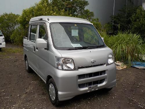 It is a picture of the silver daihatsu hijet  deck van in 2005,First Photo Stock No.Y017004
