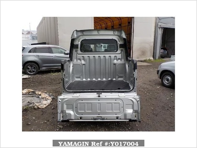 It is a picture of the silver daihatsu hijet  deck van in 2005,Sub Photo 4 Stock No.Y017004