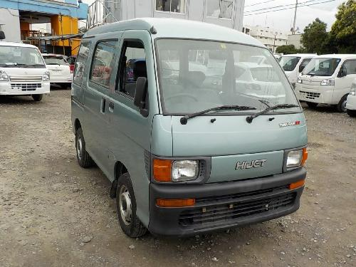 It is a picture of the green daihatsu hijet passenger van in 1996,First Photo Stock No.Y017056