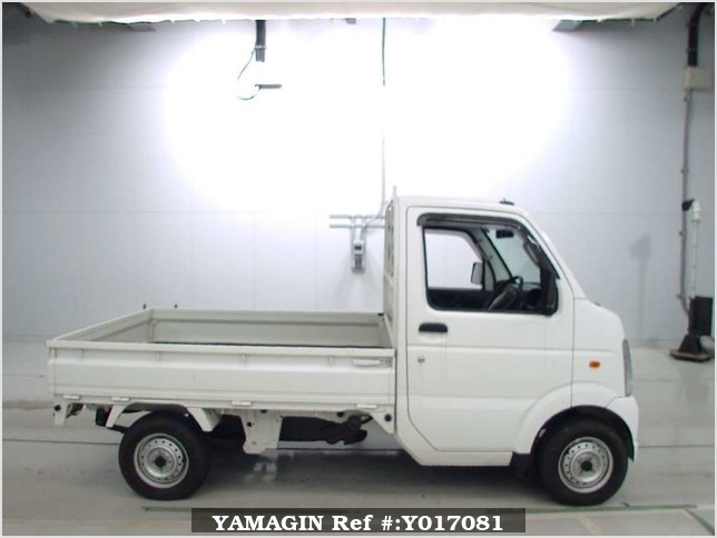 It is a picture of the white suzuki carry  truck in 2006,Sub Photo 2 Stock No.Y017081