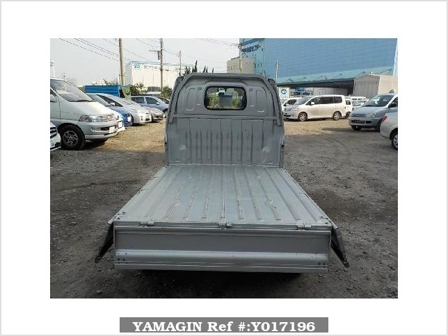 It is a picture of the silver suzuki carry  truck in 2002,Sub Photo 4 Stock No.Y017196