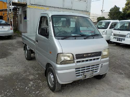 It is a picture of the silver suzuki carry  truck in 2002,First Photo Stock No.Y017196