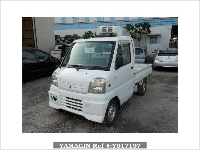 It is a picture of the white mitsubishi minicab truck in 2000,Sub Photo 1 Stock No.Y017197
