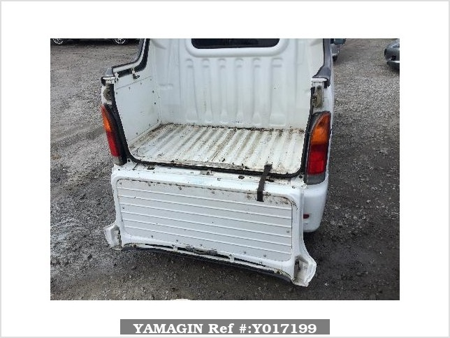 It is a picture of the white daihatsu hijet  deck van in 2002,Sub Photo 4 Stock No.Y017199