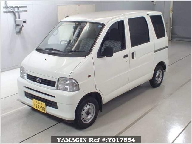 It is a picture of the white daihatsu hijet  in 2004,Sub Photo 4 Stock No.Y017554