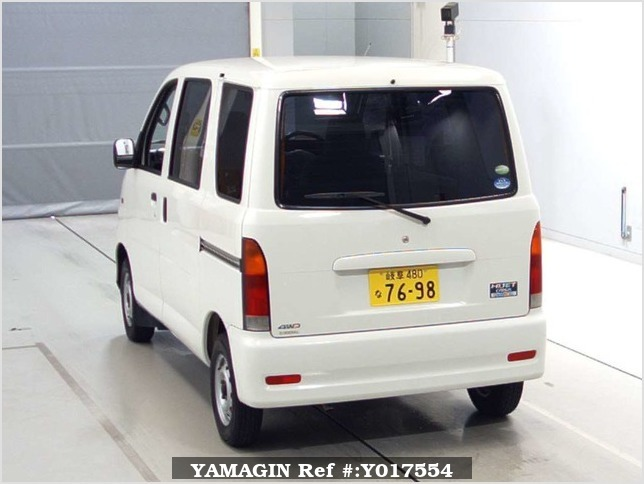 It is a picture of the white daihatsu hijet  in 2004,Sub Photo 1 Stock No.Y017554