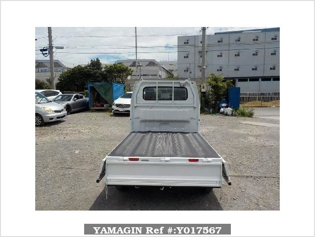 It is a picture of the white suzuki carry truck in 2018,Sub Photo 4 Stock No.Y017567