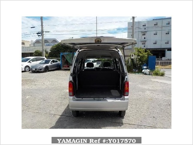 It is a picture of the silver suzuki every passenger van in 2003,Sub Photo 4 Stock No.Y017570