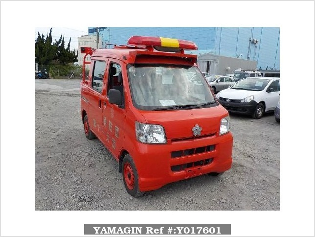 It is a picture of the red daihatsu hijet fire truck in 2006,Sub Photo 0 Stock No.Y017601