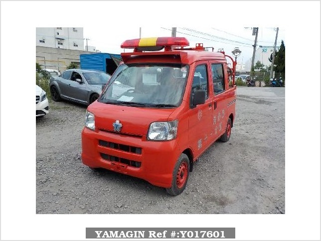 It is a picture of the red daihatsu hijet fire truck in 2006,Sub Photo 1 Stock No.Y017601