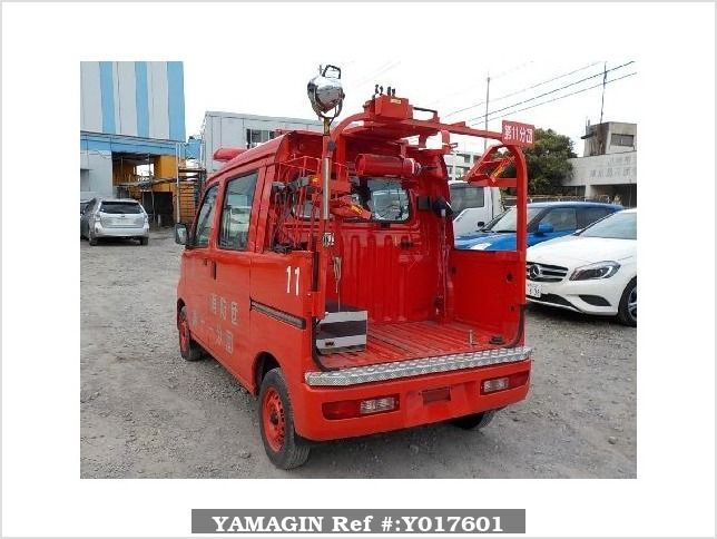 It is a picture of the red daihatsu hijet fire truck in 2006,Sub Photo 3 Stock No.Y017601