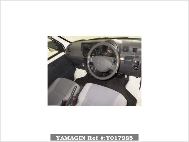 It is a picture of the white daihatsu hijet deck van in 2005,Sub Photo 11 Stock No.Y017985