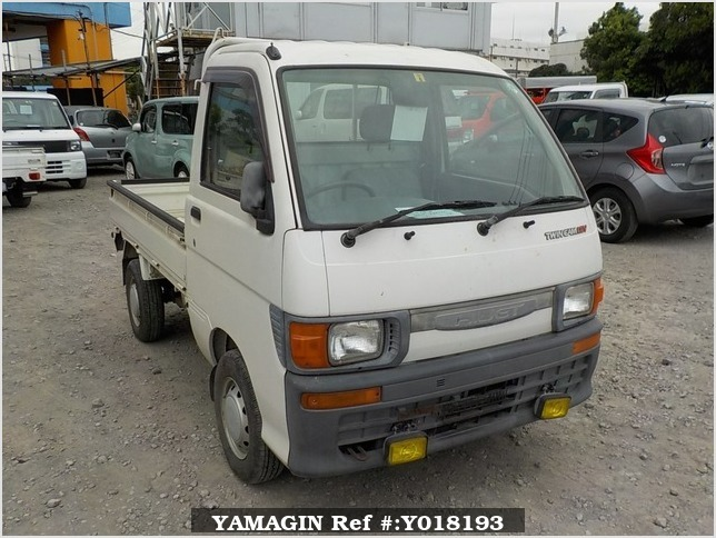 It is a picture of the white daihatsu hijet  truck in 1996,Sub Photo 0 Stock No.Y018193