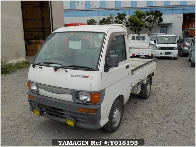 It is a picture of the white daihatsu hijet  truck in 1996,Sub Photo 1 Stock No.Y018193