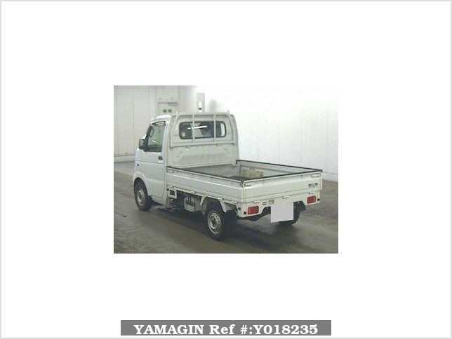 It is a picture of the white suzuki carry truck in 2003,Sub Photo 12 Stock No.Y018235