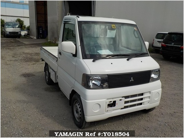 It is a picture of the white mitsubishi minicab truck in 2002,Sub Photo 0 Stock No.Y018504