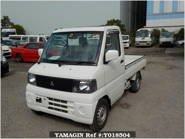 It is a picture of the white mitsubishi minicab truck in 2002,Sub Photo 1 Stock No.Y018504
