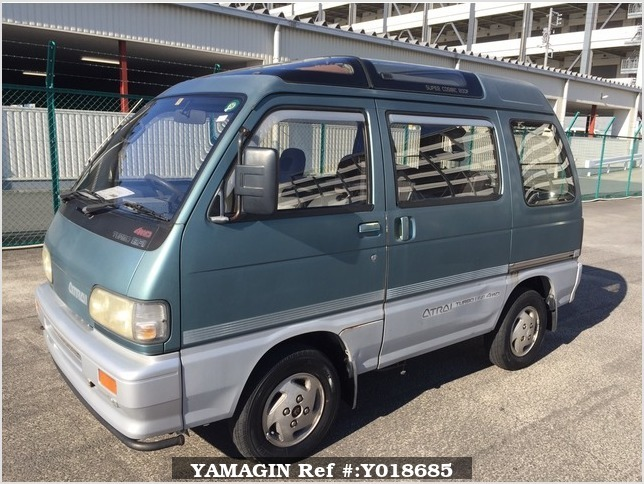 It is a picture of the two-tone daihatsu atrai passenger van in 1992,Sub Photo 1 Stock No.Y018685