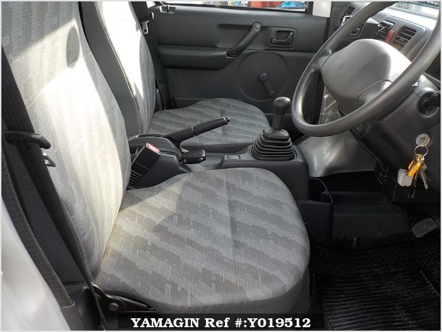 It is a picture of the silver suzuki carry truck in 2012,Sub Photo 8 Stock No.Y019512