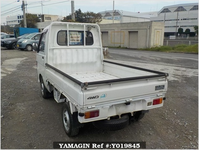 It is a picture of the white daihatsu hijet truck in 1994,Sub Photo 3 Stock No.Y019845
